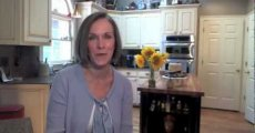 The Difference Between Vitamins B6 and B12 -- Kathleen Zelman -- UHC TV